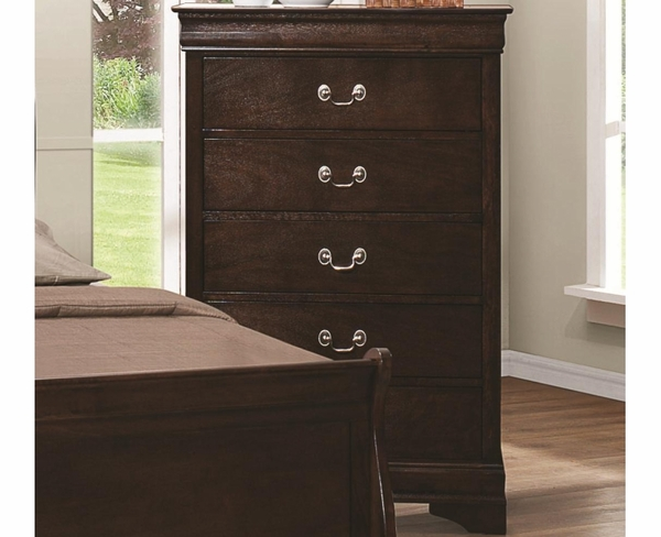 Rich Cappuccino Finish Chest with Silver Bails