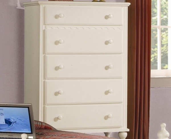 White Finish Chest w/ 5 Drawers