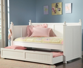 White Finish Daybed with Trundle