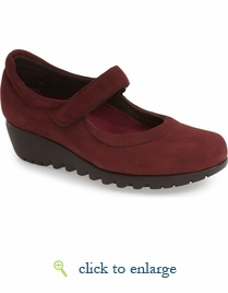 Pia by Munro (Wine Nubuck)
