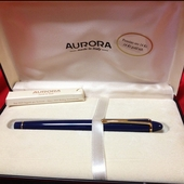 Collectible Aurora Ipsilon Deluxe Fountain Pen