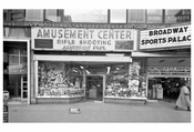 50th Street & Broadway 'Amusement center' - Midtown Manhattan