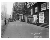 Broadway - sidewalk view - Midtown Manhattan - NY 1914