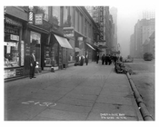 Broadway  Street scene - Midtown Manhattan - NY 1914