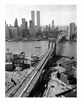 Brooklyn Bridge in front of the Manhattan skyline 1978