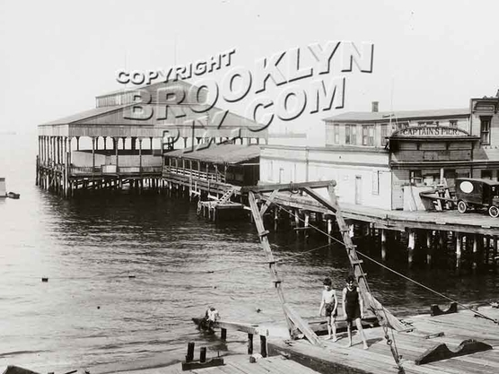 Captain's Pier, Foot of 20th Avenue, 1922