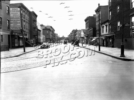 Franklin Avenue looking south from Lafayette Avenue, 1931