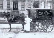 Grocery wagon of Hermann Rieke, Union Street near Smith, c.1910