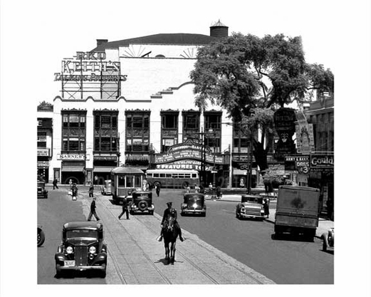 Main Street  & Loews Theatre 1930
