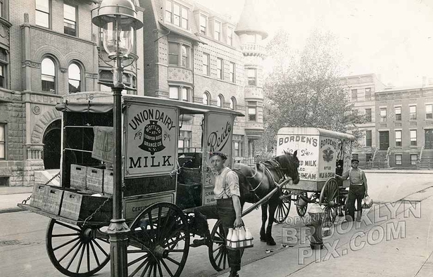 Milk wagons on Glenada Place, north to Decatur Street, 1915