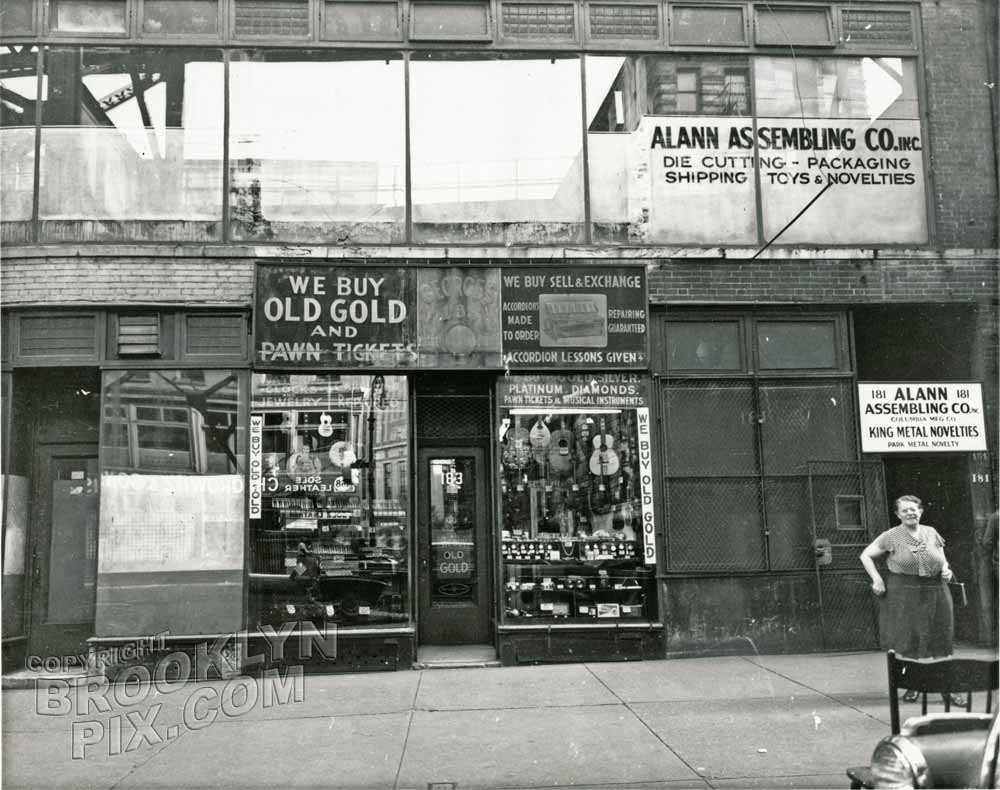 Pawn shop at 183 Chatham Square, 1950 Manhattan old brooklyn classic ...