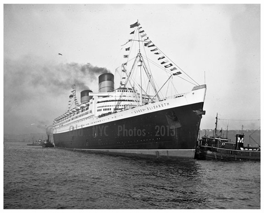 Queen Elizabeth in New York harbor 1946