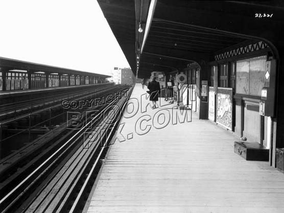 Saratoga Avenue station on the Livonia Avenue Line, 1940s