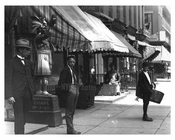 Up close - Street scene in Midtown - 4th Avenue - 1900 New York, NY