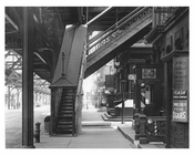 West Broadway  under the elevated train platform - Tribeca - Manhattan 1915