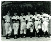 Yankees pose in a row 1940s