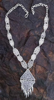 6746 Necklace