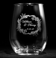 Engraved Wedding Wreath Stemless Wine Glass