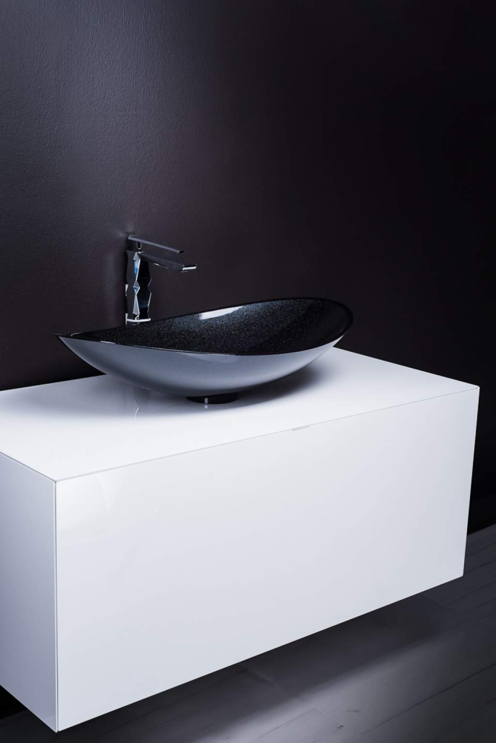 Modern White Lacquer Bathroom Vanity With Starlight Black