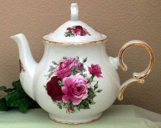 Lilac Spray 8C Square Teapot
