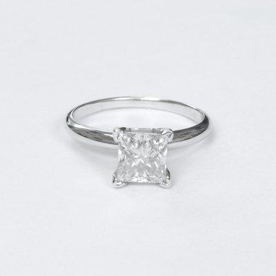 14kt Gold Classic Style Solitaire Ring With 1.55Ct G-VS2 Princess Diamond
