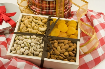 Nuts and Dried Fruit Gourmet Tray