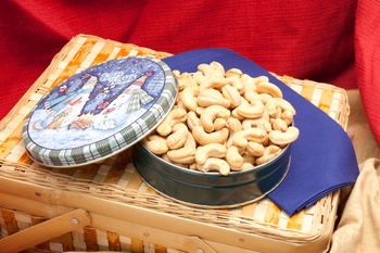 Salted Giant Cashews Gift Tin(32oz Holiday Gift Tin)