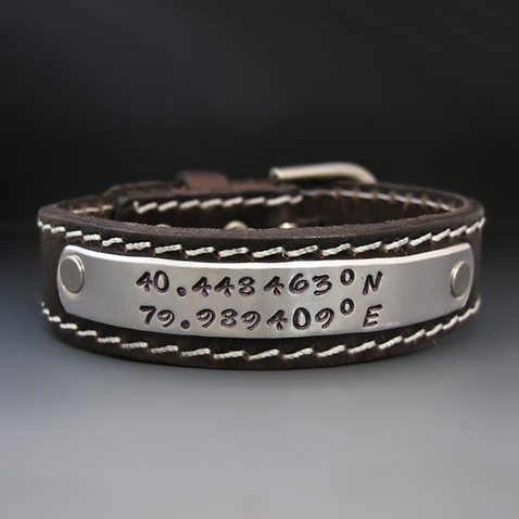 Personalizd Leather Buckle Bracelet  {3/4 inch Wide }