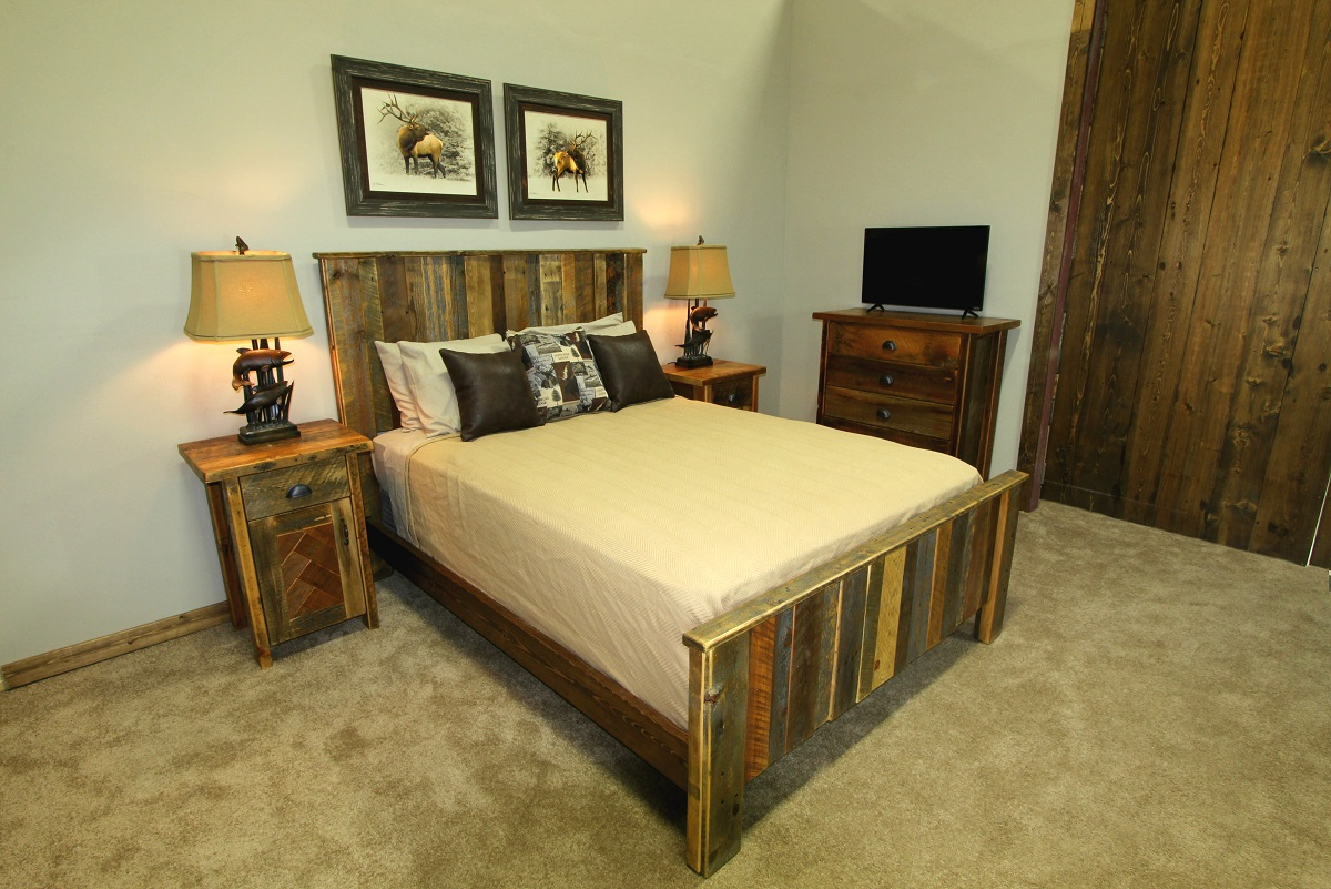 bed watch heirloom barns youtube logfurnitureplace from com wood barn alpine