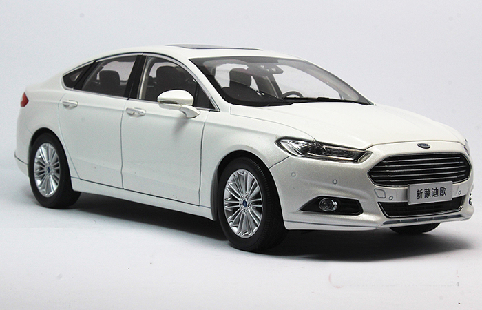 1 18 Scale Model Ford New Mondeo 2013 Original Diecast Car Gifts