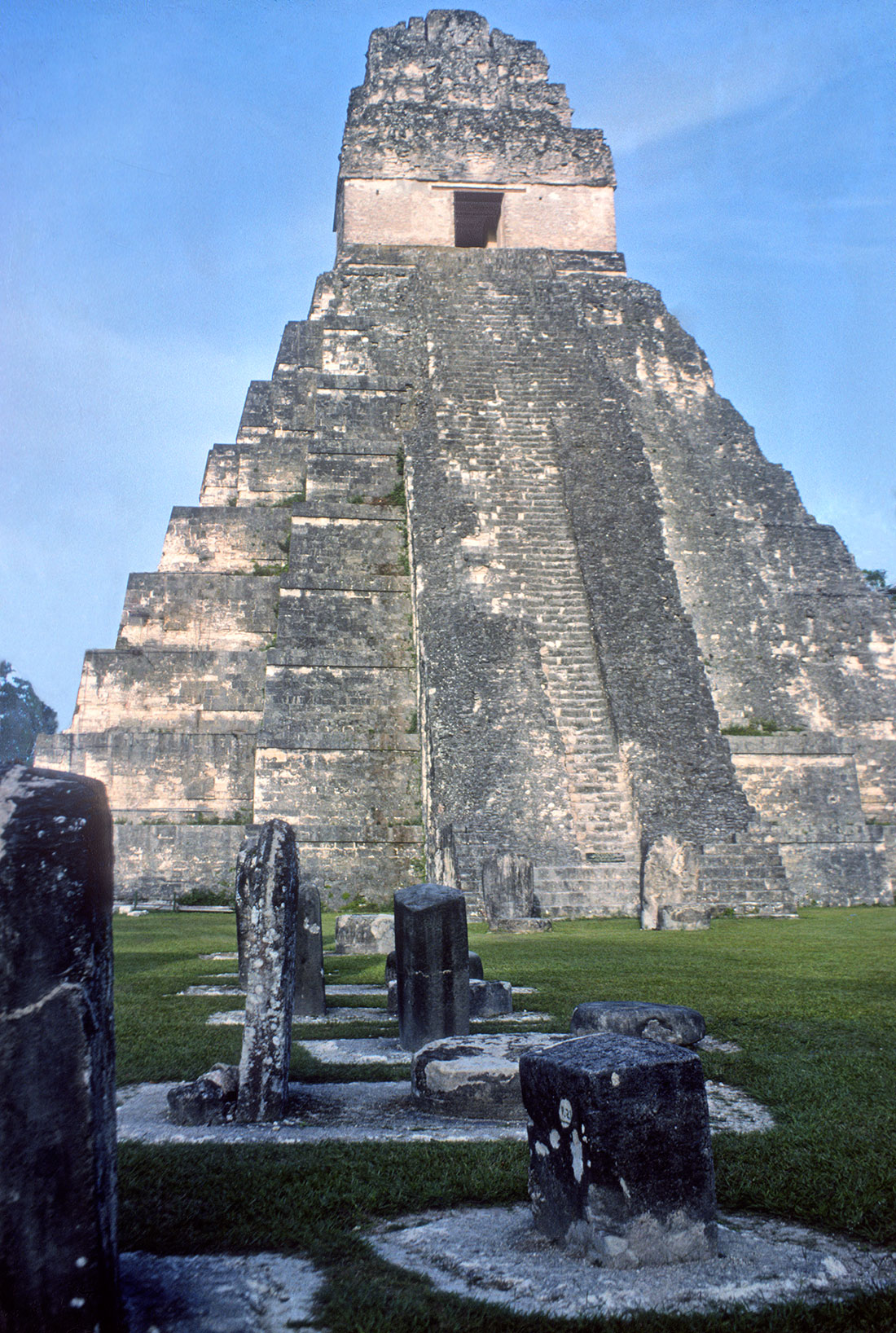 characteristics of mayan architecture This informative article on the impact of mayan architecture is an excellent resource for your essay or school project.