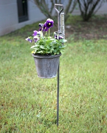 Spade Planters With Rain Gauges Metal Garden Stakes, Set Of 2