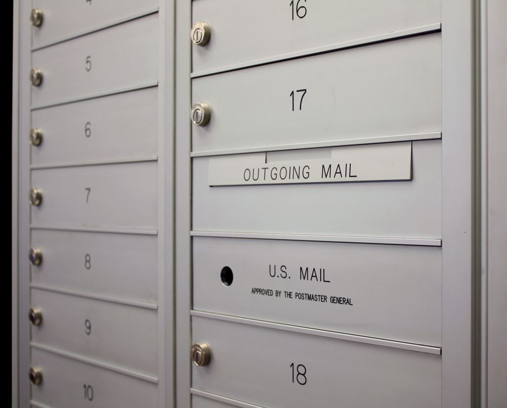 Outgoing mail slot usps