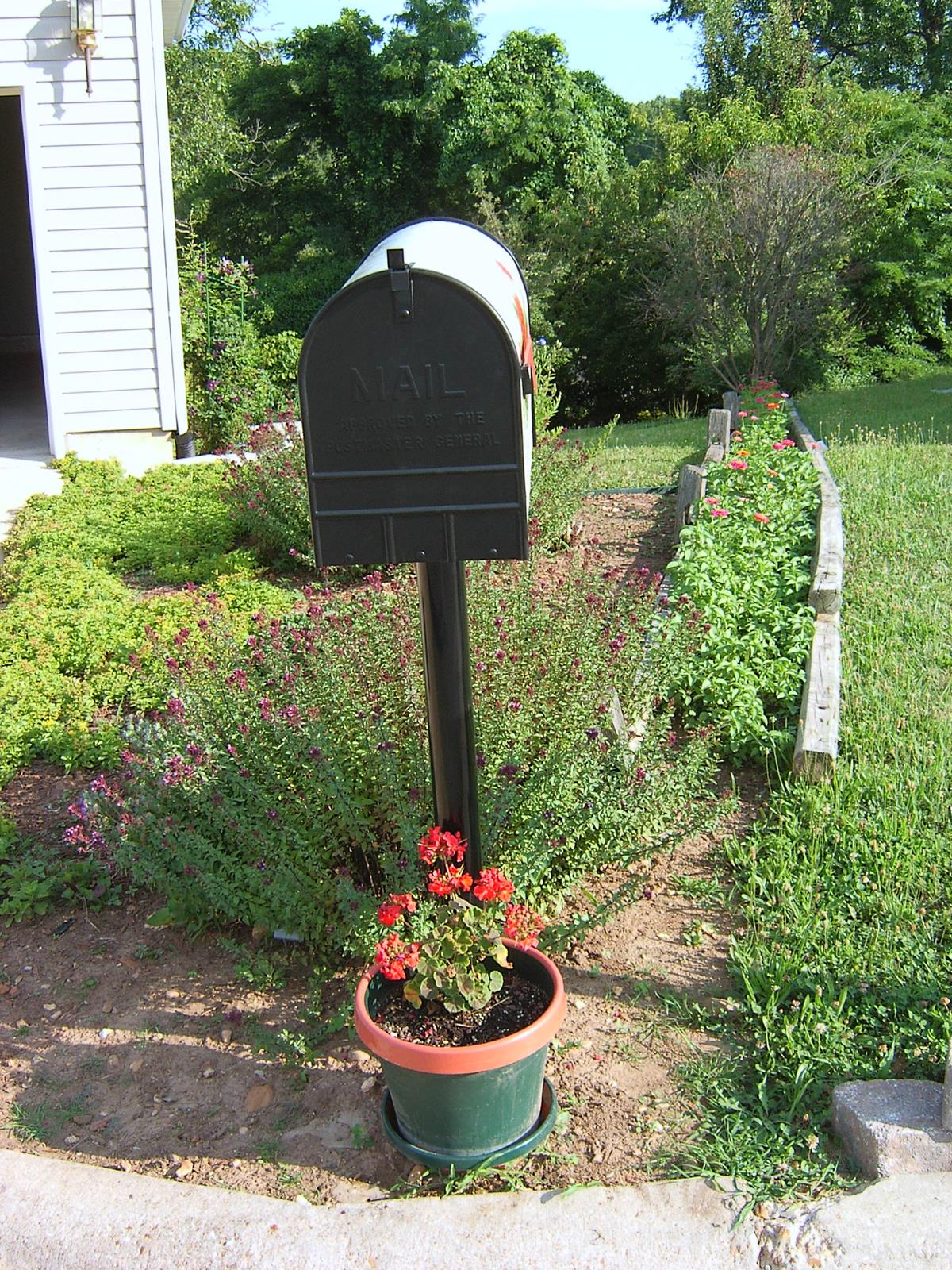 Bluegrass Woods Mailboxes | Bacova Gardens 10414 Shell ...