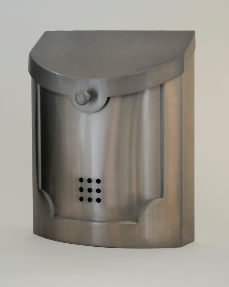Ecco Mailboxes Contemporary Steel Wall Mount Mailbox In