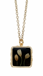 Veronica Bud Black Med Sq on Chain