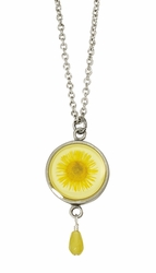 Yellow Daisy SM Round Necklace w/Drop