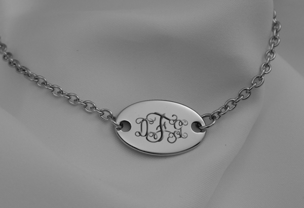 Silver Oval Pendant Necklace Gt Engraved Necklaces