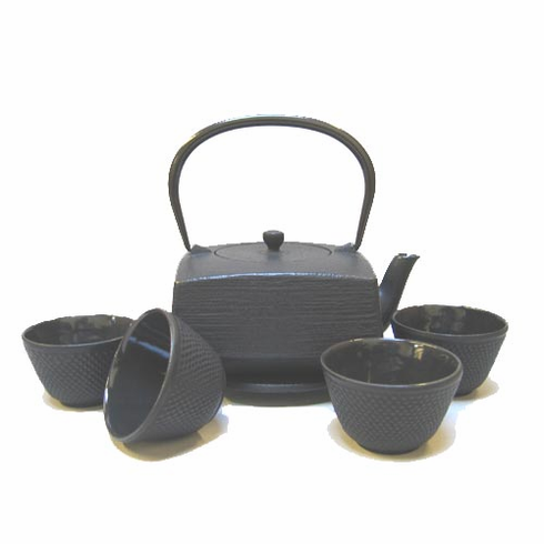 Cast Iron Hakeme Teapot  Made by Iwachu 32 oz. Set