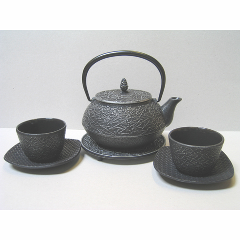 "Pine Needle Cast Iron Teapot 202 oz. Set for Two<font color=red><i>""Out of Stock""</i></font>"