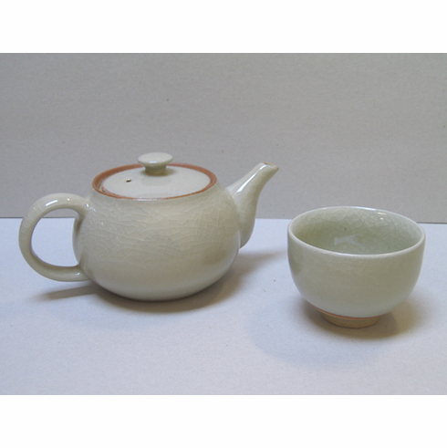 "White Ceramic Teapot & Cup Set<font color=red><i>""Out of Stock""</i></font>"