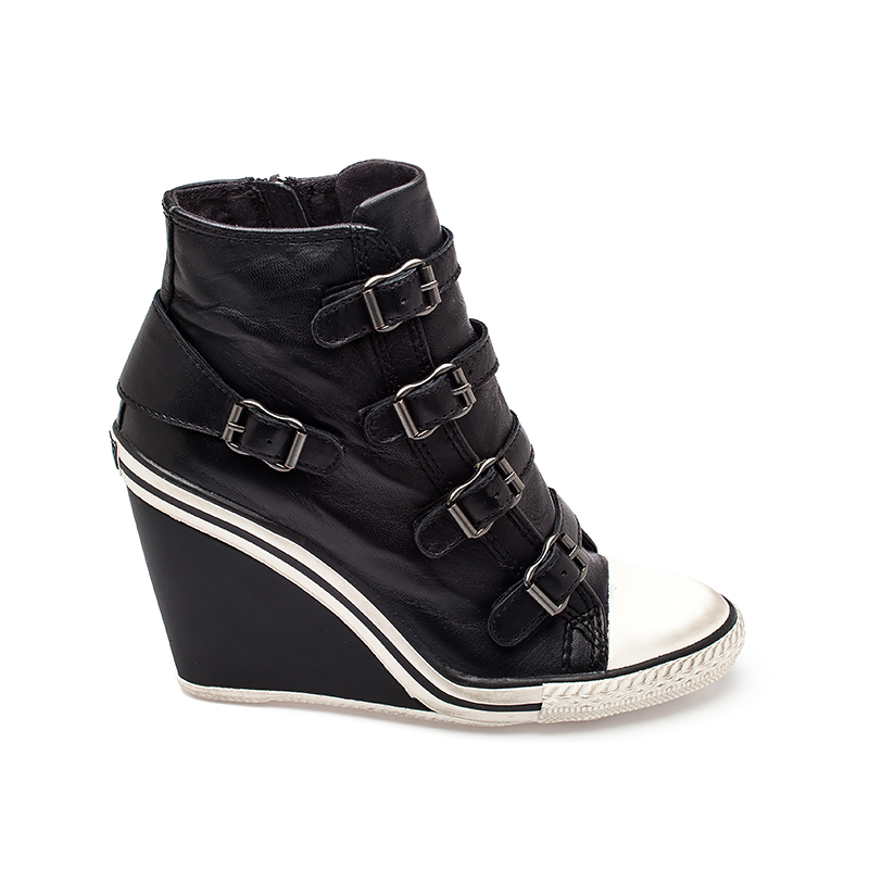 How to Wear Wedge Sneakers. Three Methods: This is especially true for women with thicker legs who may feel the urge to draw attention away from their legs and to another part of their body. A flowing top can look feminine, and separating it from the sneakers with .