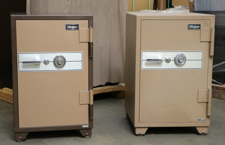 2 used Major 2 hour Fire safe, Pick the one you like, first come first pick