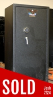 Used Cannon Gun Safe, with 16 rifle flex Int. HOT!