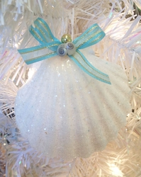 set of 2 Clam Shell Ornaments