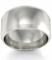 18kt Gold Wedding Ring Beveled 10mm