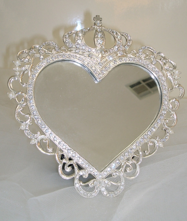 Gift Items For Wedding Attendants And Family