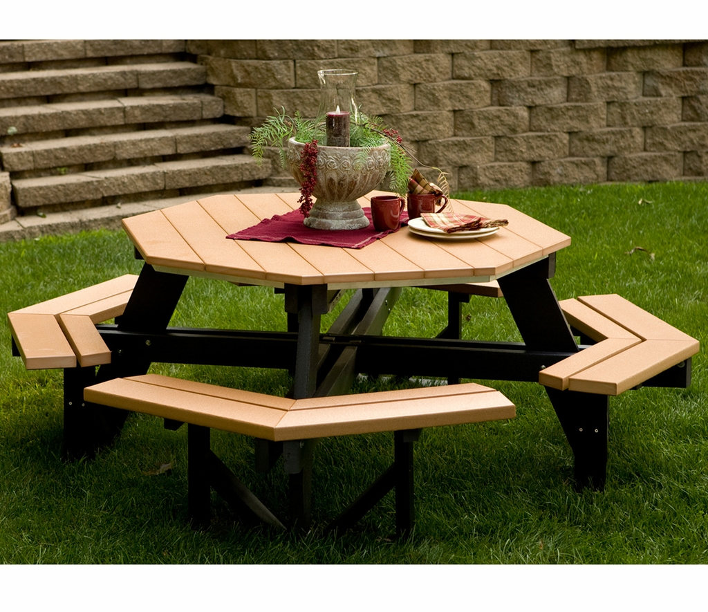 Berlin Gardens Octagon Picnic Table - Composite octagon picnic table