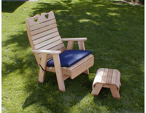 Patio Chair and Footrest Set - Cedar Royal Country Hearts