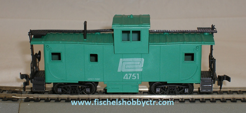 AHM 5485 Extended Vision Caboose Penn Central # 4751 HO